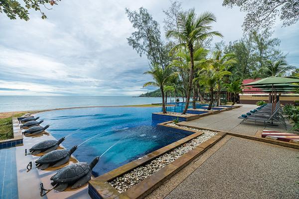 Piscine - Circuit Trésors du Siam et farniente à Khao Lak à l'hôtel Emerald Khao lak Beach Resort & Spa 4*