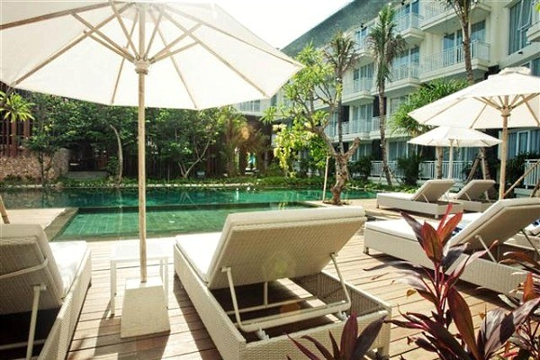 Piscine - Combiné hôtels - Balnéaire à Kuta à l'hôtel Fontana + The Ubud Village Hotel 4*