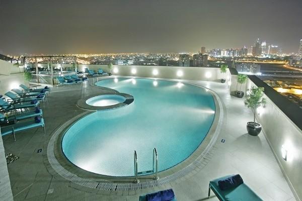 Piscine - Combiné hôtels Dubaï & Maurice : Coral Dubaï Al Barsha + Radisson Blu Azuri Resort & Spa 5*