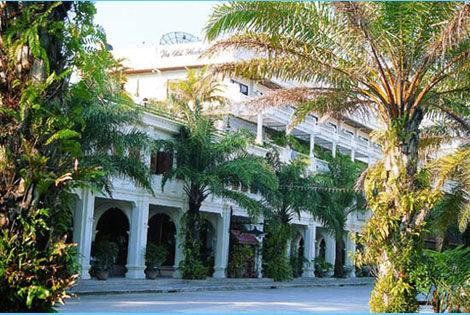 Circuit Trésors du Siam et Farniente à Phuket à l'hôtel The Old Phuket 3* Charme THAÏLANDE