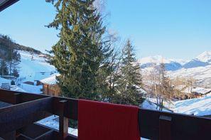 - Les Coches, Résidence avec services Ski & Soleil Le De 1