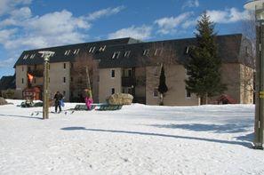 - Val Louron, Résidence avec services Les Gourgs Blancs