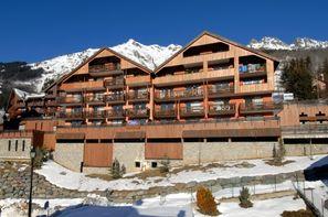 - L'Alpe d'Huez, Résidence avec services Le Dôme des Rousses