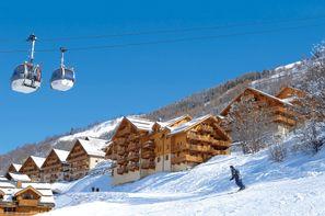 - Valloire, Résidence avec services Le Hameau et les Chalets de la Vallée d'Or