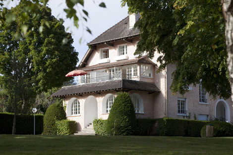 Hôtel L'Escale & Spa Thermal - BAINS-LES-BAINS - FRANCE