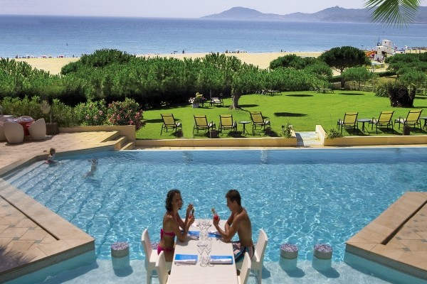 H tel flamants roses canet en roussillon france languedoc for Hotel pas cher en france