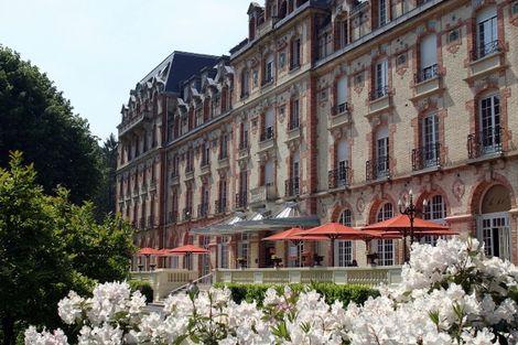 Hôtel des Thermes 2* - BAGNOLES DE L'ORNE - FRANCE