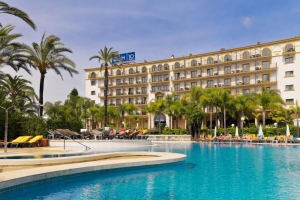 H tel h10 andalucia plaza malaga andalousie partir pas cher for Hotel design andalousie