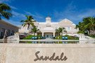 Façade - Sandals Emerald Bay aux Bahamas