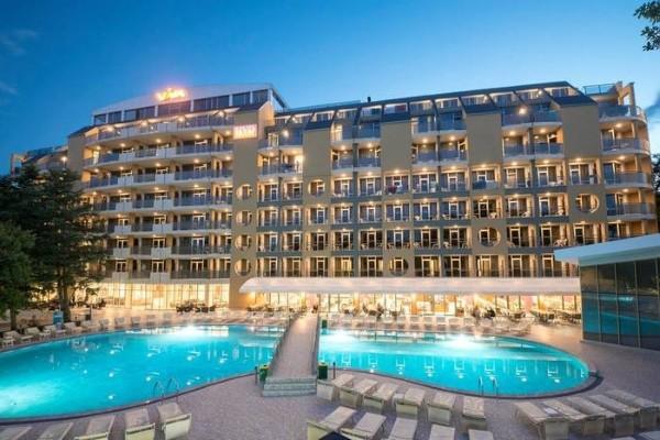 Hôtel - piscine - HVD Hotel Viva