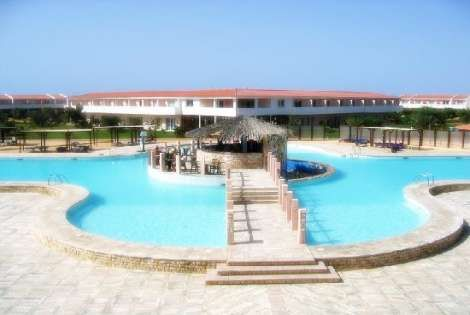 H tel crioula beach 4 santa maria cap vert avis sur l for Cap vert dijon piscine