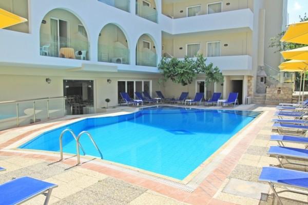 Piscine - Hôtel Dimitrios 4*