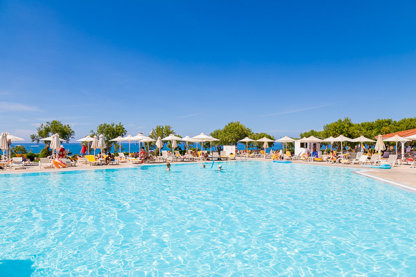 H tel zorbas village aqua park anissaras cr te partir for Aqua piscine otterburn park