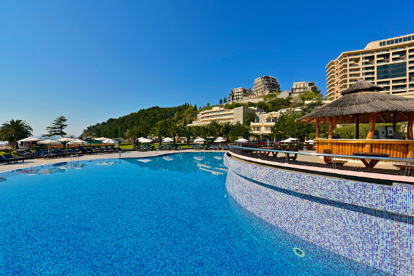 H tel iberostar bellevue becici montenegro go voyages - Horaire piscine bellevue ...