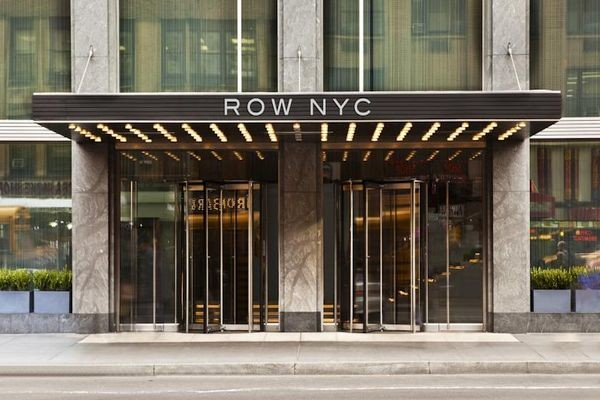 Facade - Row Nyc (ex Milford Plaza Times Square Hotel) 4*