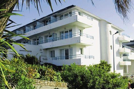 Hôtel Pierre et Vacances La Corniche de la Plage 2* - BENODET - FRANCE