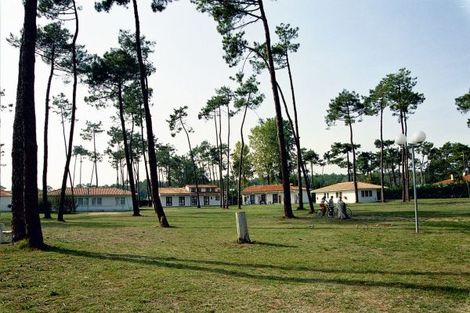 Hôtel Sous les pins - RONCE LES BAINS - FRANCE