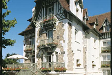 Hôtel Augeval 3* - DEAUVILLE - FRANCE