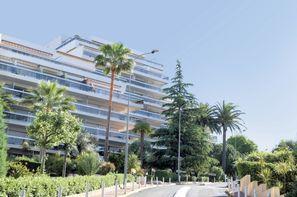 France Provence-Cote d Azur - Juan Les Pins, Résidence locative Pierre & Vacances La Rostagne