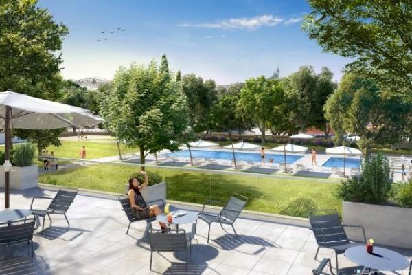 H tel village club du soleil la belle de mai 3 nuits for Club piscine soleil chicoutimi