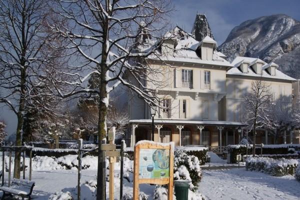Hôtel Pavillon des Fleurs Menthon-Saint-Bernard France ...