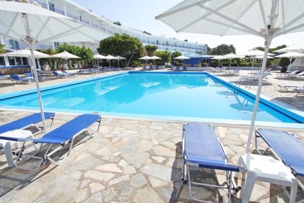 Piscine - Hôtel Delphi Beach 4*