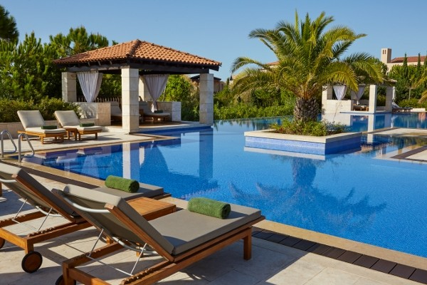 Hôtel The Romanos, A Luxury Collection Resort 5*
