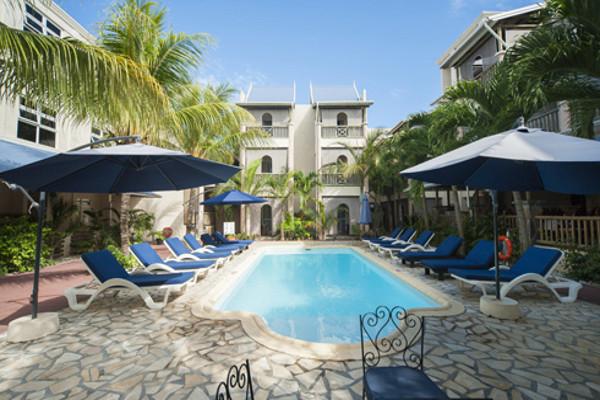 Piscine - Hôtel Residence le Palmiste resort&spa  3*
