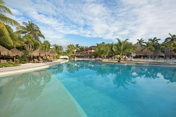 Piscine - Hôtel Iberostar Paraiso Maya 5*