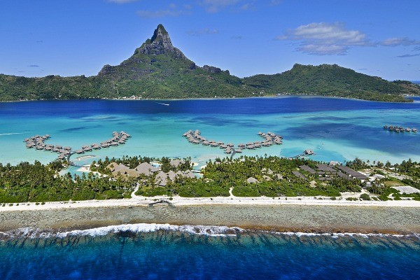 Hôtel Intercontinental Bora Bora Resort & Thalasso Spa 5*