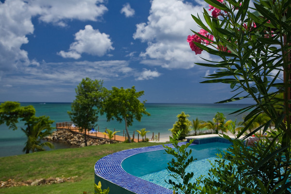Piscine - Calabash Cove Resort & Spa aux Antilles