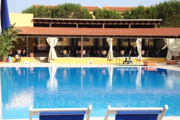H tel marmara sicilia marinella di selinunte sicile et for Club piscine shawinigan sud