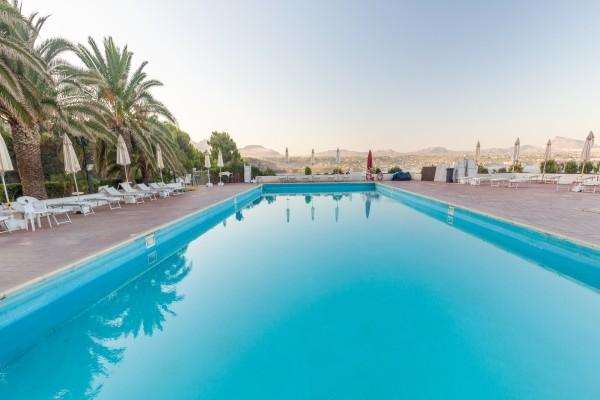 Piscine - Hôtel Perla Del Golfo 3*