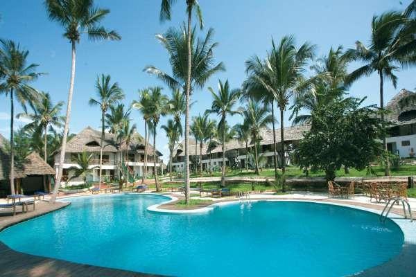 Piscine - Hôtel Paradise Beach Resort 4*