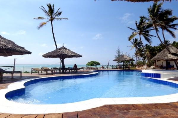 Piscine - Hôtel Reef Beach Resort 3*