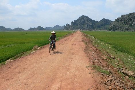 Route proche d'Ha Long au Vietnam