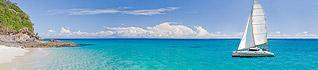 Croisières à la voile|Voguez à bord d'un catamaran sur les plus belles mers et faîtes escale chaque jour sur une île différente