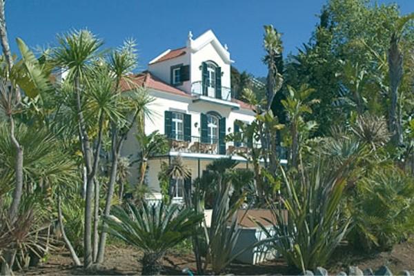 Facade - Autotour Sous le Charme de Madère Funchal Madère