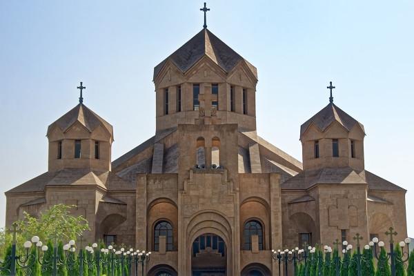 Monument - Circuit L'éssentiel de l'Arménie Yerevan Armenie
