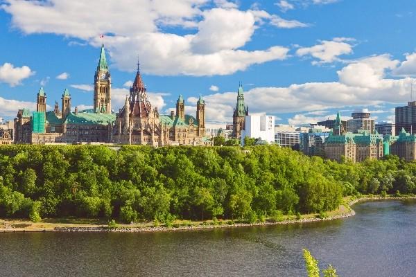 Monument - Circuit Splendeurs du Canada & des USA Montreal Canada