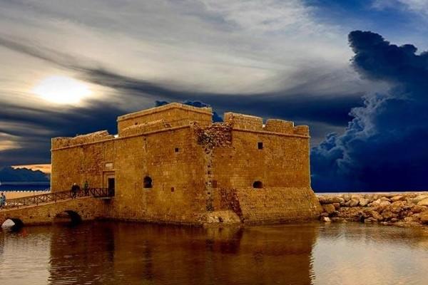 Monument - Circuit Chypre Sans Frontière & Extension Club Coralia King Evelthon Paphos Chypre