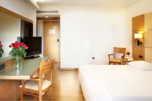 Chambre - Circuit ECHAPPEE DEPUIS LA REGION DE CORINTHE DEPUIS L'HOTEL MIRAMARE ERETRIA 4* Athenes Grece