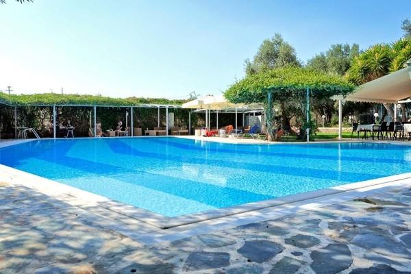piscine - ECHAPPEE DEPUIS LA REGION DE CORINTHE DEPUIS L'HOTEL MIRAMARE ERETRIA