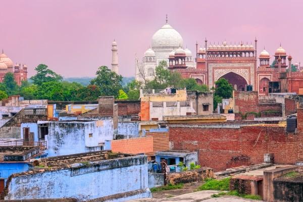 Taj Mahal et ville d'Agra