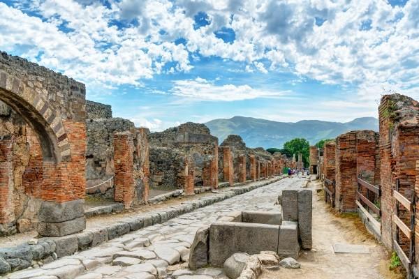 Monument - Circuit L'Italie du Sud, Pouilles, Naples & Poméï Rome Italie