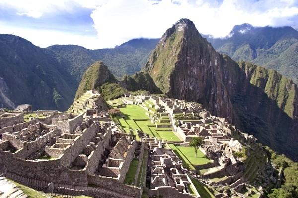 Monument - Circuit Merveilles Pérou-Bolivie Lima Perou