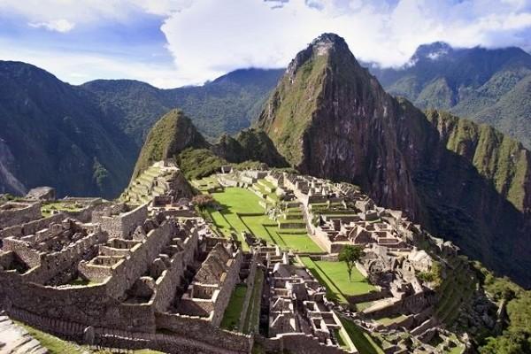 Monument - Circuit Splendeurs du Pérou & Extension Nazca