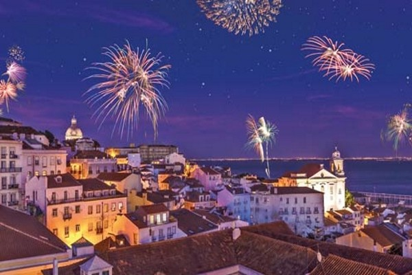 Feux d'artifice - VIP Executive Art's - Réveillon à Lisbonne avec soirée du Nouvel An à bord du N/M Opéra