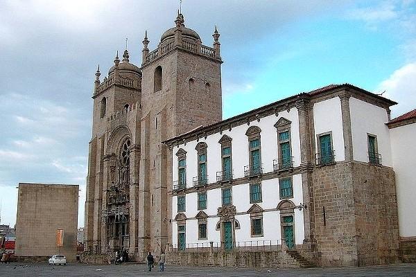 Parvis de Se Porto