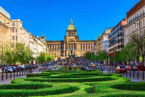 Monument - Circuit Réveillon à Prague avec soirée du Nouvel An au théâtre des Etats - Hôtel Jury's Inn 4* - Visites et repas inclus 4* Prague Republique Tcheque